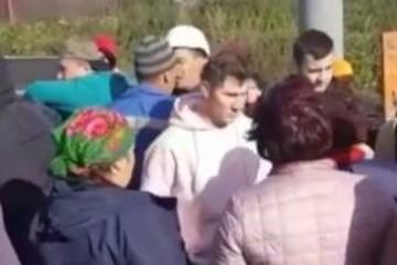 """Жители татарстанского села прогнали рабочих, которые хотели установить им """"вредоносную"""" сотовую вышку"""