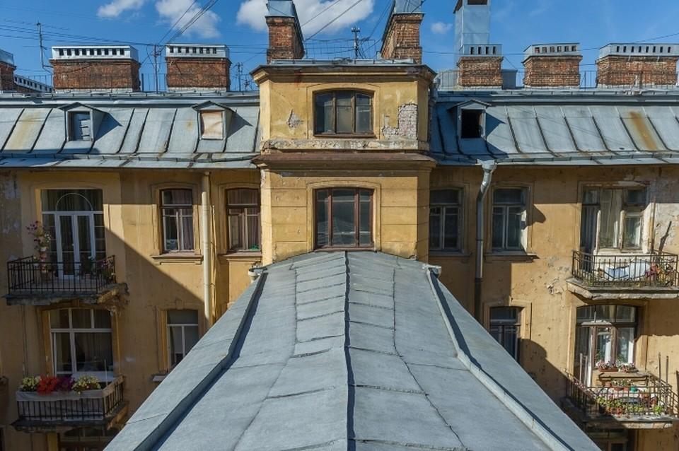 Беглов призвал жестко карать за прогулки по крышам в Санкт-Петербурге.