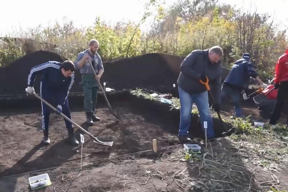 Об археологических раскопках в Кемерове рассказал глава города. ФОТО: кадр видео со страницы в соцсетях Ильи Середюка
