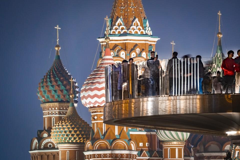 Теплая погода продержится в Москве до середины октября