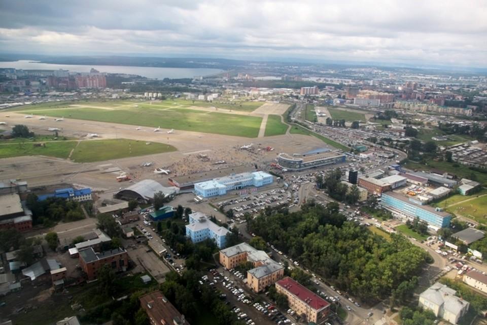 Вахтовика со свертками наркотиков задержали в аэропорту Иркутска