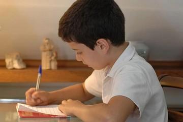 Как научить ребенка писать в домашних условиях: пошаговая инструкция
