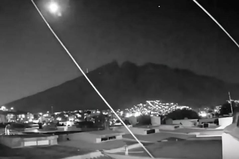 Мексиканский метеорит чем-то напоминал Челябинский. Взорвлся почти столь же ярко.