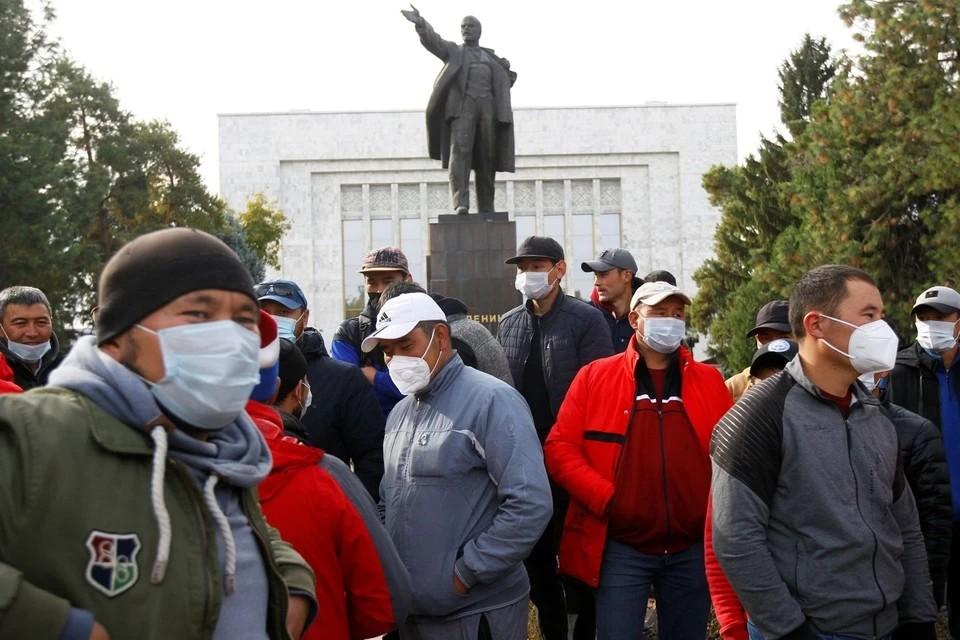 Президент Киргизии подписал указ об отставке премьер-министра Боронова