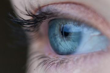 Пять наивных вопросов о причинах снижения зрения