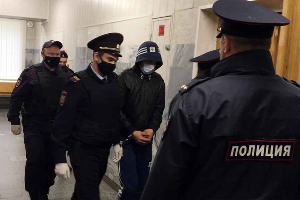 Алексея Азизова сегодня арестовали на 2 месяца
