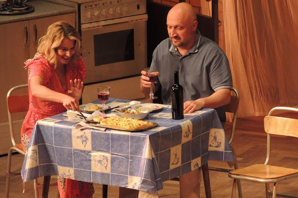 Недавно Гоша Куценко сыграл в спектакле МХАТ им.Горького «Сцены из супружеской жизни».