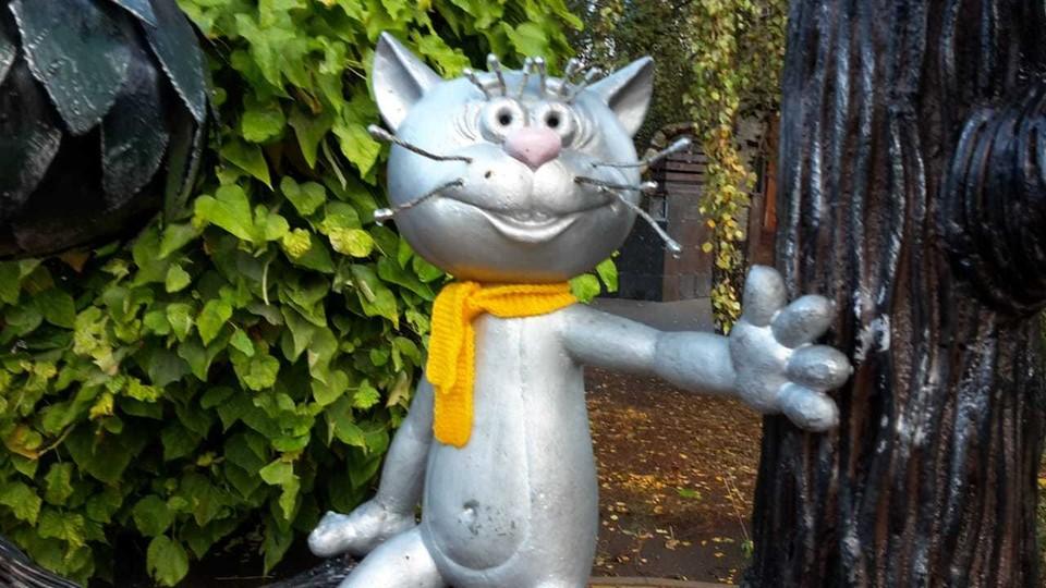 Котенок с шарфом - стильно и по погоде!