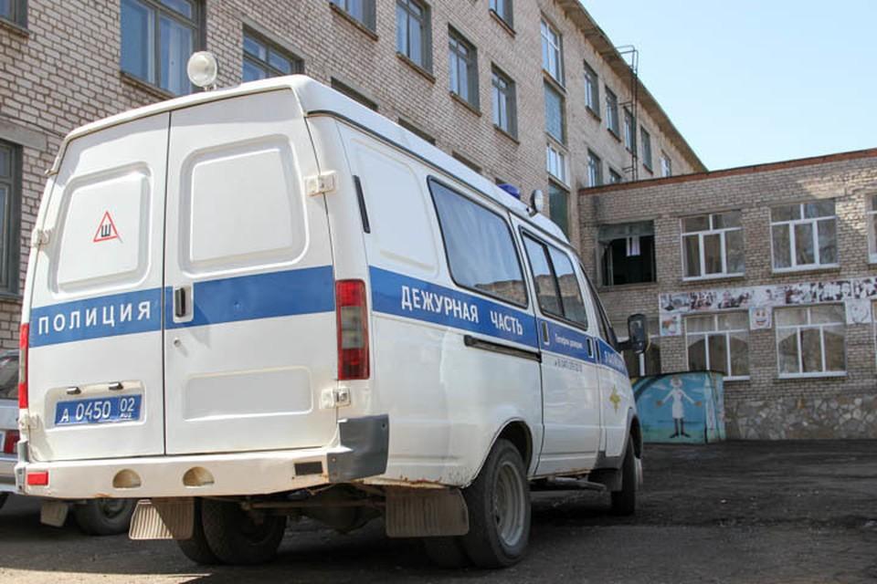 В данный момент возбуждено уголовное дело по статье 132 УК РФ, с места происшествия правоохранители изъяли телефон и одежду пострадавшей.