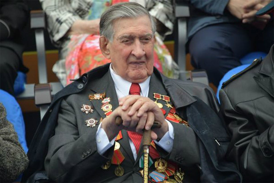 Свои ордена Владимир Иванович Долгих заслужил честно.