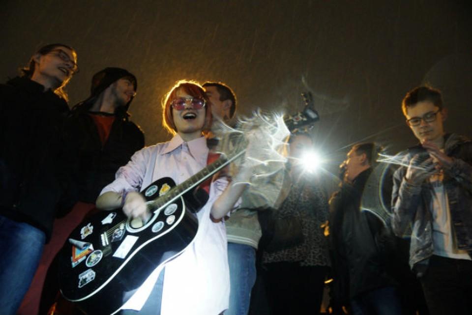 Музыканты пожелали пациентам ЦГБ №6 поскорее выздоравливать