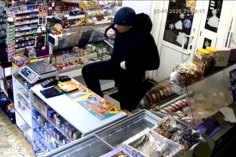 Грабитель-рецидивист грабил магазины и избивал прохожих в Кузбассе. ФОТО: ГУ МВД России по Кемеровской области