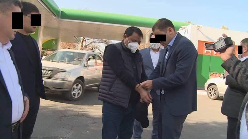 Суд отпустил задержанного по подозрению в коррупции под подписку о невыезде.