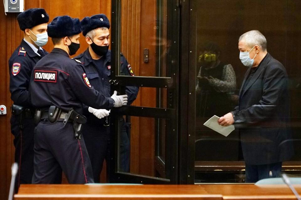 600 тысяч Михаил Олегович перевел родне еще до вынесения приговора. Фото: пресс-служба Мосгорсуда