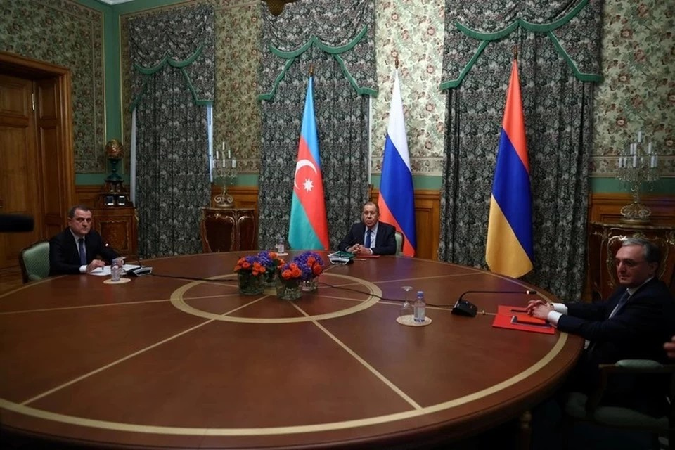 Лавров встретился с главами МИД Армении и Азербайджана