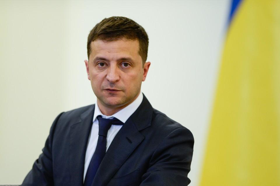Владимир Зеленский заявил о том, что его страна собирается в ближайшее время построить две военно-морские базы на Черном море.