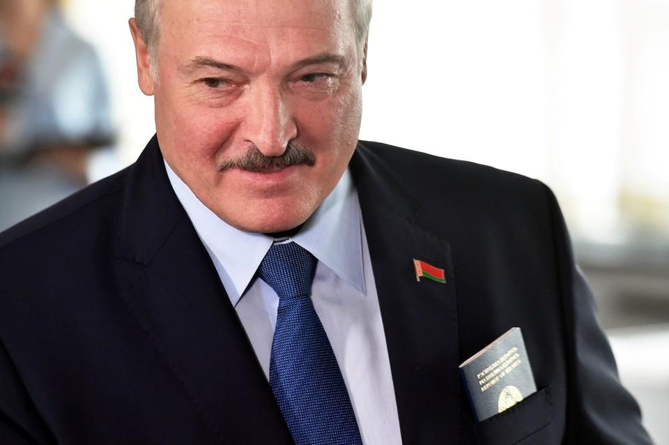 Лукашенко поблагодарил Нарышкина за регулярную информацию от СВР России