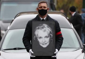 Похороны Ирины Скобцевой: гроб с телом актрисы несли ее сын Федор Бондарчук и внуки
