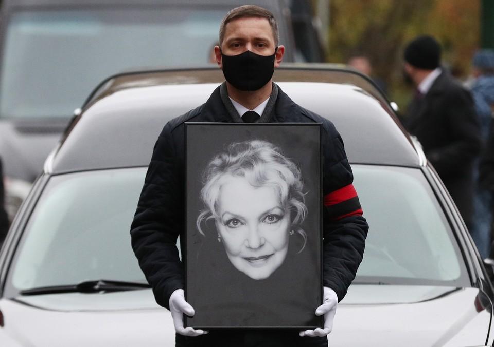 Похороны Ирины Скобцевой прошли на Новодевичьем кладбище. Фото: Михаил Терещенко/ТАСС