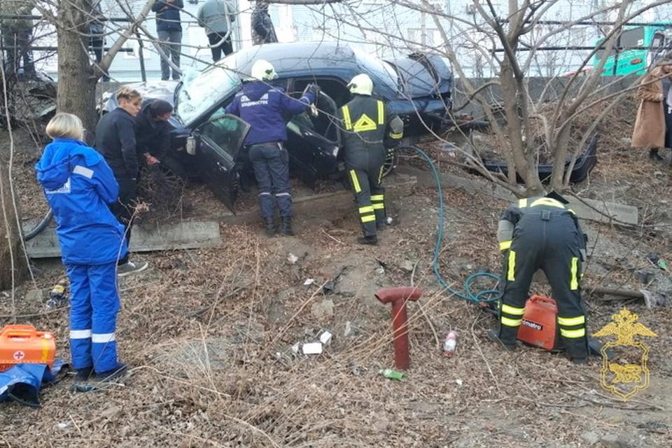 Аварию студент-иностранец устроил на Партизанском проспекте во Владивостоке. Фото: пресс-служба УМВД России по городу Владивостоку.