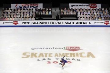 «Скейт Америка»: Тренеров не пустили к спортсменам, зрителей заменили картонными