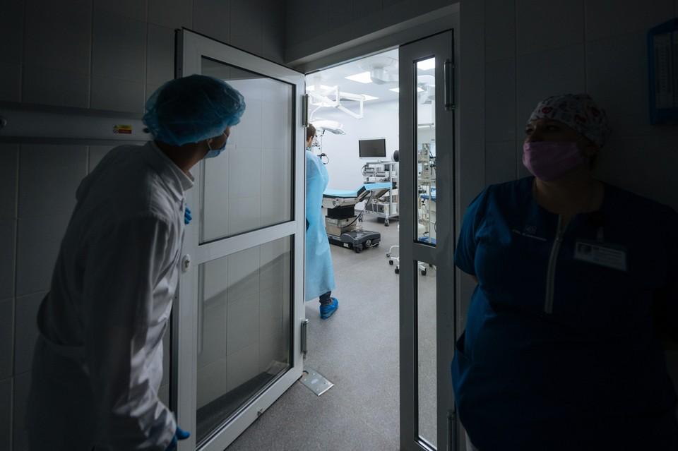 В Центре Гамалеи назвали сроки окончания пандемии коронавируса.