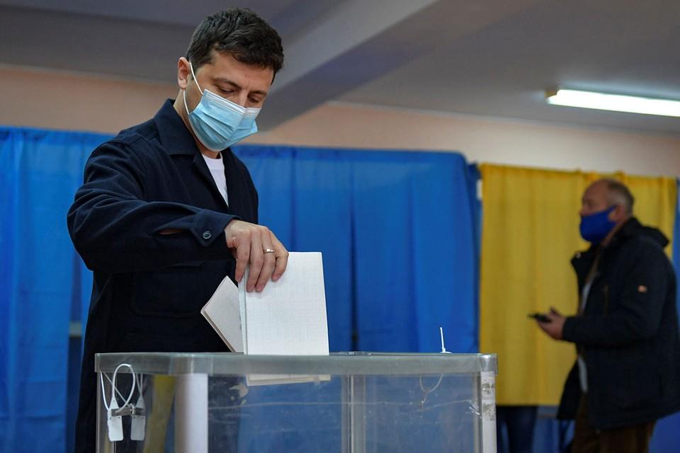 Украина проголосовала: Депутатам - сокращение, взяточникам - пожизненный срок, народу - коноплю?