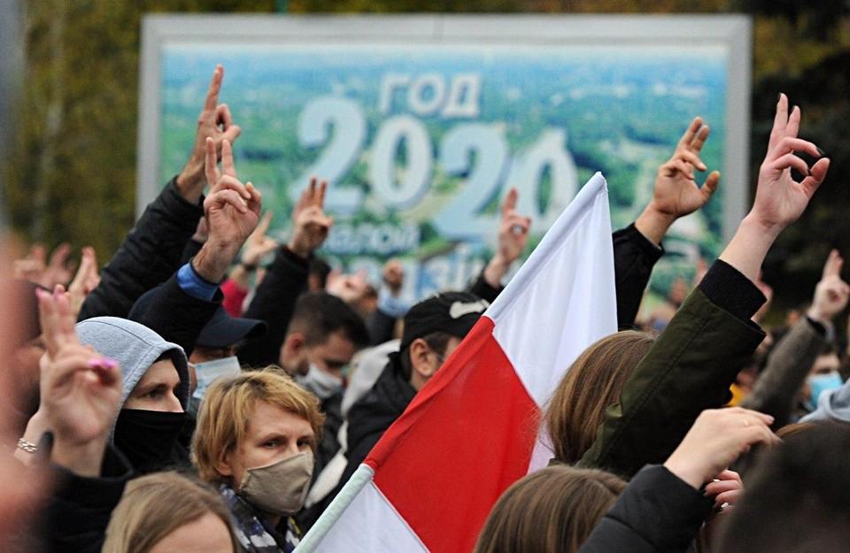 Во время марша оппозиции в Минске 25 октября.