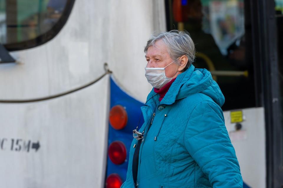 Еще 721 человек заболели коронавирусом в Петербурге на 27 октября