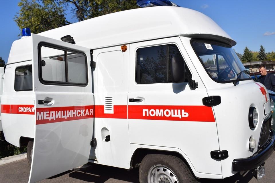 Угранская ЦРБ получила два автомобиля скорой помощи. Фото: департамент по Смоленской области.