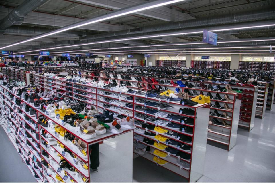 В Ростове обнаружили крупную партию нелегальной обуви