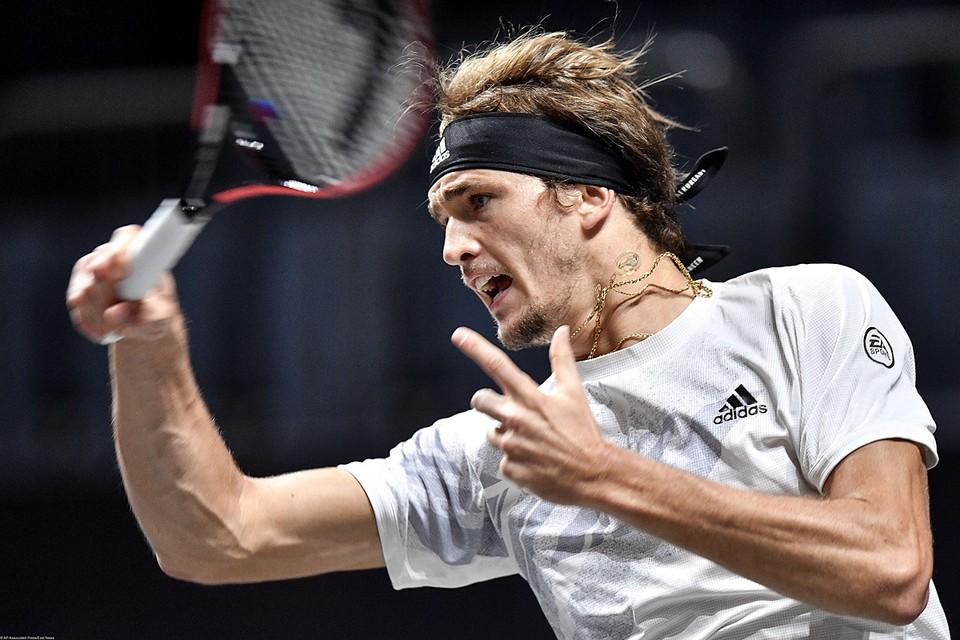 Александр Зверев – восходящая звезда мирового тенниса. Он выступает за Германию, именно туда в свое время уехали из СССР родители спортсмена