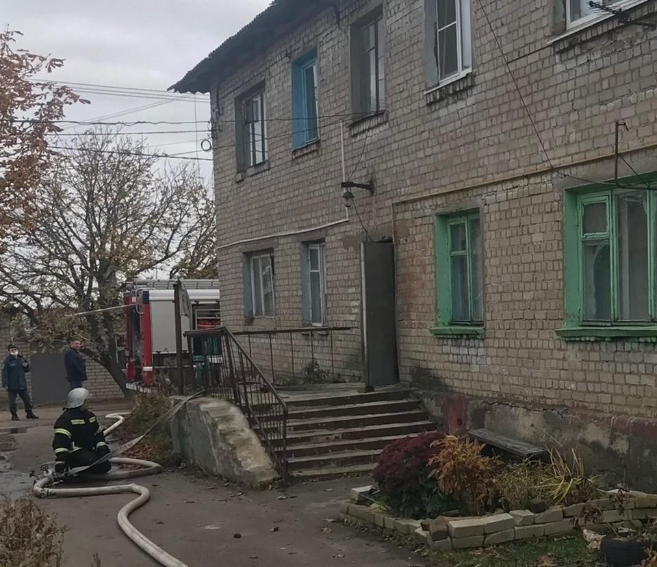 Пожар охватил квартиру на Моховской улице