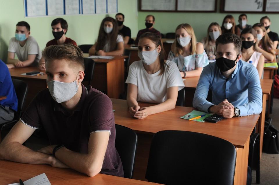 В России новый рекорд по числу заболевшим коронавирусом