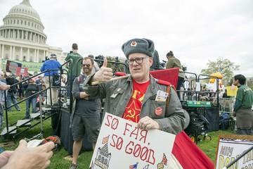 Западные СМИ обвиняют русскую диаспору в разжигании гражданской войны в США