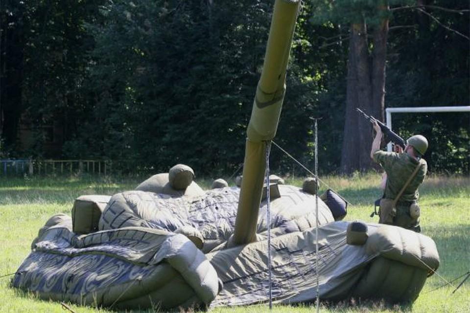 Бюджет России не резиновый! А вот танки в нашей армии бывают и надувные - в маскировочном полку. Главное - чтобы остальные так же не сдувались из-за нехватки средств.