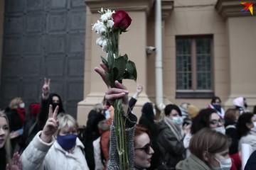 Протестующие вышли на проезжую часть, а метро частично закрылось: что происходит в Белоруссии 8 ноября
