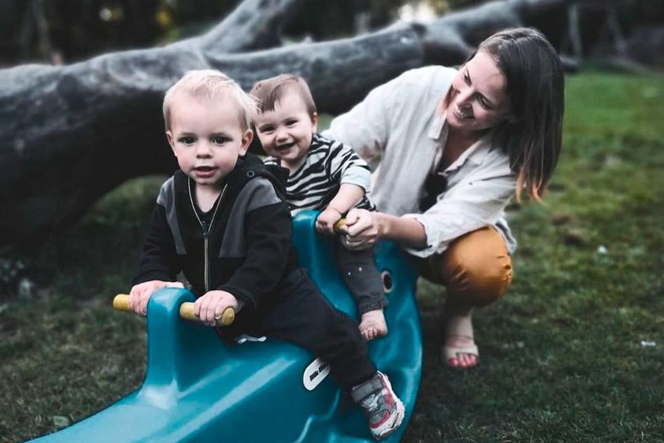 Наталья Ремиш с детьми