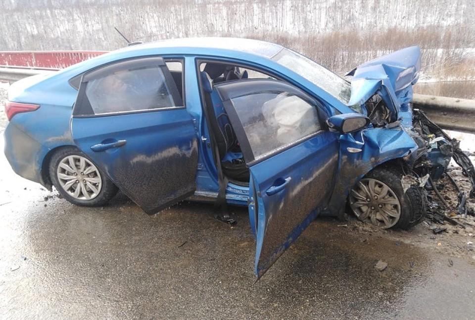 Обе машины оказались сильно повреждены. Фото: УГИБДД МВД РФ по Свердловской области