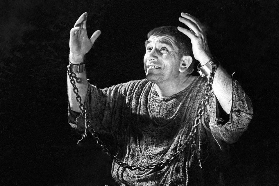 14 ноября не стало Армена Джигарханяна — блистательного советского актера, создавшего целую галерею неповторимых образов в кино и театре. Фото: Михаил Строков/ТАСС