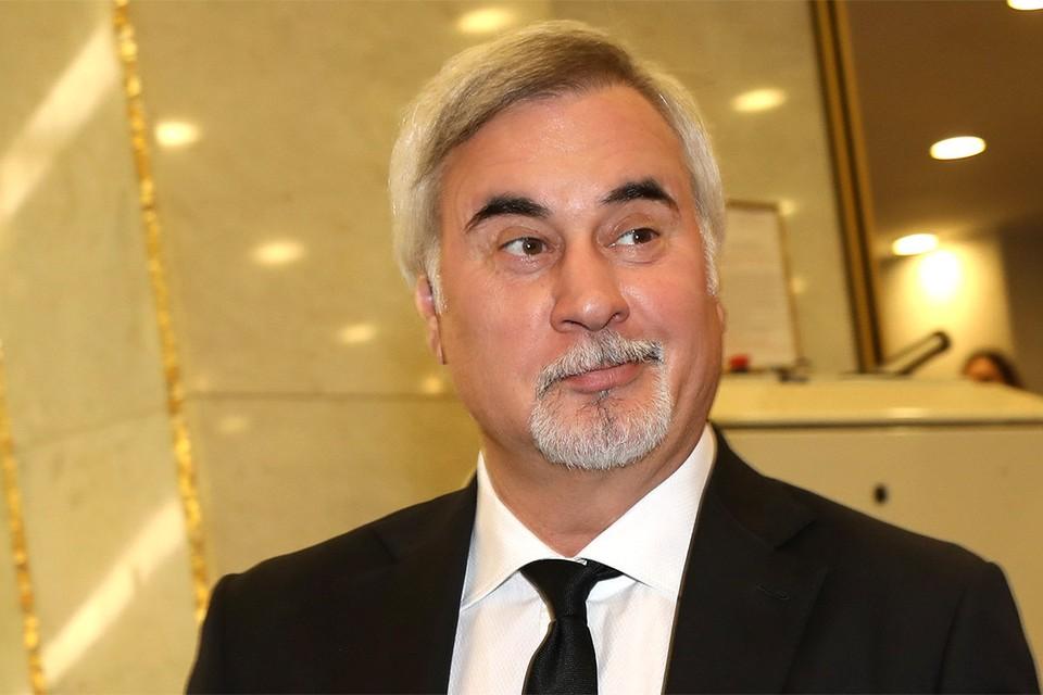 Валерий Меладзе призвал коллег бойкотировать новогодние телешоу.