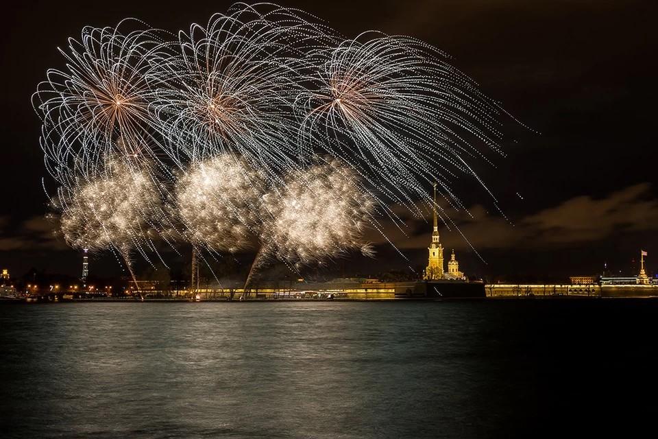 Новый год в Санкт-Петербурге: где встретить, что посмотреть, куда сходить