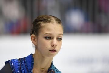 Щербакова не будет сражаться с Трусовой в Москве. Прямая трансляция короткой программы Гран-При России в Москве