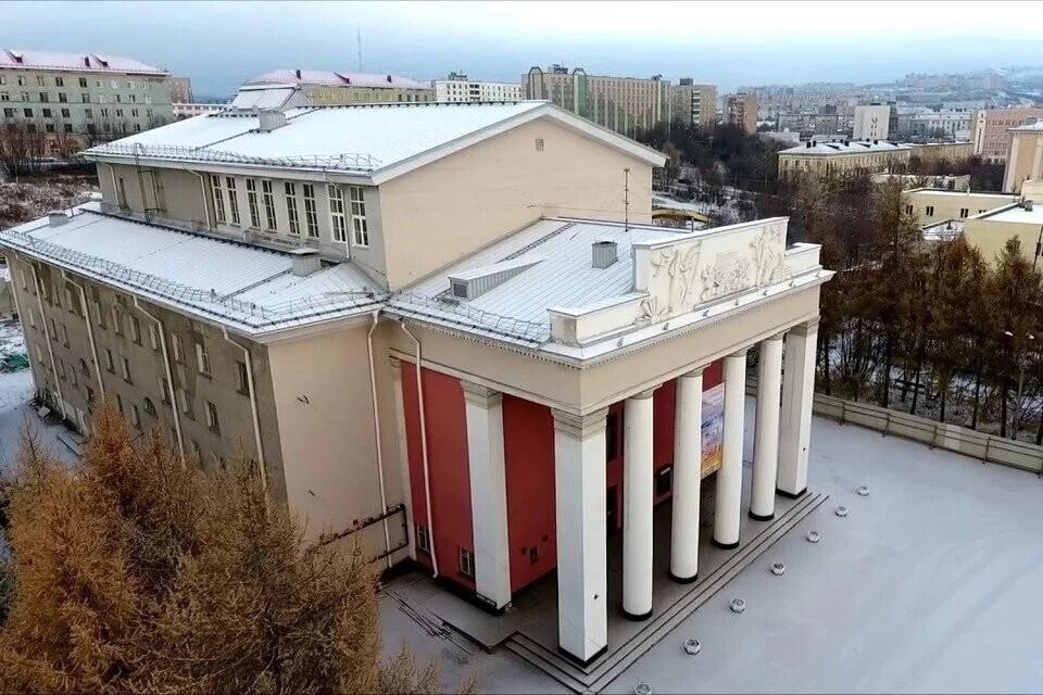 Еще в 2015 году Мурманский областной театр закрылся на долгожданную реконструкцию. Фото: Народная инициатива