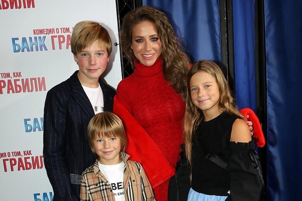 Юлия Барановская воспитывает троих детей от Аршавина