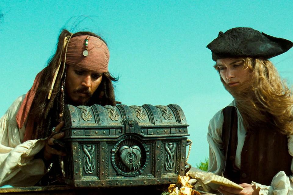 """Истории о пиратах и кладах до сих пор кружит голову молодых и уже не очень молодых людей. Фото: кадр из фильма """"Пираты Карибского моря"""""""
