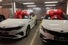 Яндекс Go подарил новые машины трем самозанятым