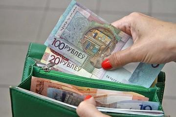 Белстат рассказал, какая средняя зарплата была у белорусов в октябре