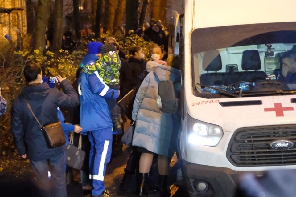 У детей, которых держал в заложниках житель Колпино, обнаружили ссадины и признаки ОРВИ.