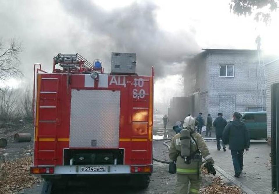 К ликвидации пожара привлекались 25 человек, девять единиц техники